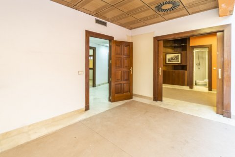 Apartment for sale in Madrid, Spain, 7 bedrooms, 223.00m2, No. 2714 – photo 20