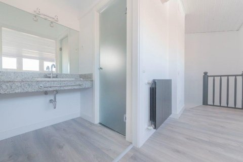 Apartment for rent in Madrid, Spain, 1 bedroom, 80.00m2, No. 1595 – photo 17