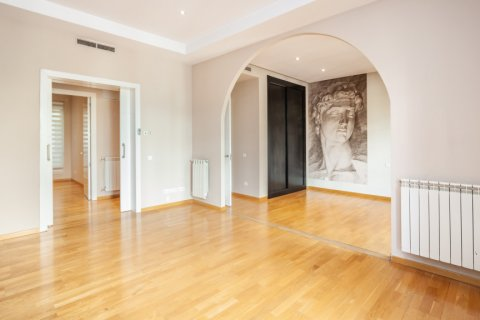 Apartment for rent in Madrid, Spain, 4 bedrooms, 190.00m2, No. 1474 – photo 3