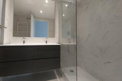 Apartment for rent in Madrid, Spain, 3 bedrooms, 155.00m2, No. 2601 – photo 22