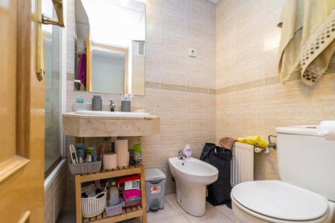 Apartment for sale in Madrid, Spain, 3 bedrooms, 102.43m2, No. 2471 – photo 18