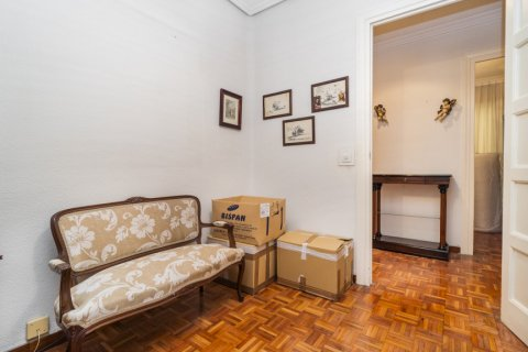 Apartment for sale in Madrid, Spain, 3 bedrooms, 78.00m2, No. 2330 – photo 7
