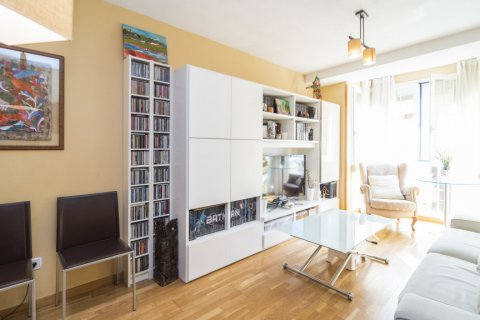 Apartment for sale in Madrid, Spain, 3 bedrooms, 93.00m2, No. 2248 – photo 1