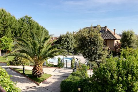 Duplex for rent in Madrid, Spain, 5 bedrooms, 300.00m2, No. 1844 – photo 2