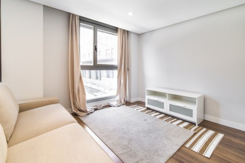 Apartment for sale in Madrid, Spain, 3 bedrooms, 150.00m2, No. 2538 – photo 26