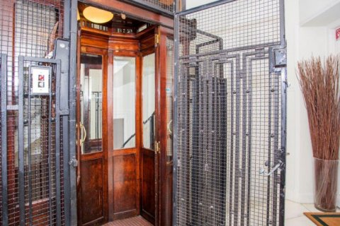 Apartment for sale in Madrid, Spain, 4 bedrooms, 205.00m2, No. 1504 – photo 24