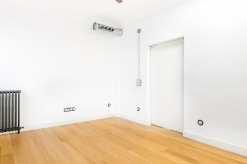Apartment for sale in Madrid, Spain, 3 bedrooms, 215.00m2, No. 2448 – photo 13