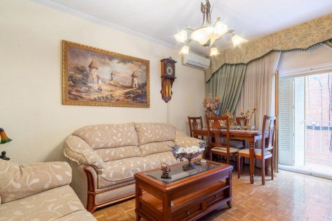 Apartment for sale in Madrid, Spain, 3 bedrooms, 73.00m2, No. 1801 – photo 1