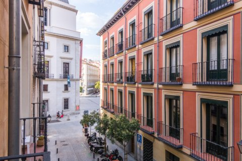 Apartment for sale in Madrid, Spain, 3 bedrooms, 139.00m2, No. 2218 – photo 25