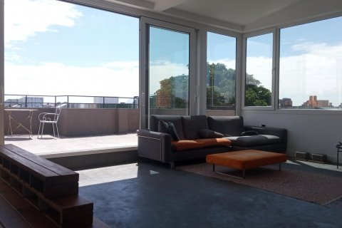 Penthouse for sale in Madrid, Spain, 1 bedroom, 125.00m2, No. 2139 – photo 1