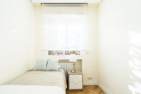 Apartment for sale in Madrid, Spain, 2 bedrooms, 80.00m2, No. 2516 – photo 25