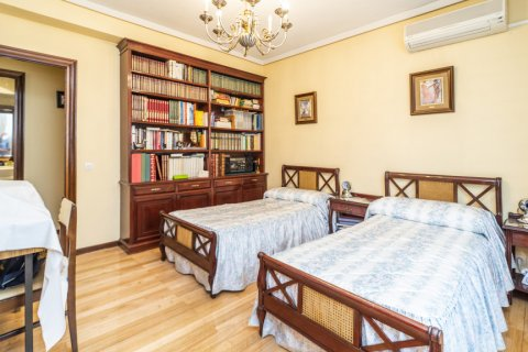 Apartment for sale in Madrid, Spain, 4 bedrooms, 152.00m2, No. 2316 – photo 20