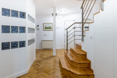 Duplex for sale in Madrid, Spain, 5 bedrooms, 216.00m2, No. 2360 – photo 16