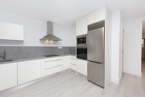 Apartment for sale in Madrid, Spain, 4 bedrooms, 218.00m2, No. 2124 – photo 19