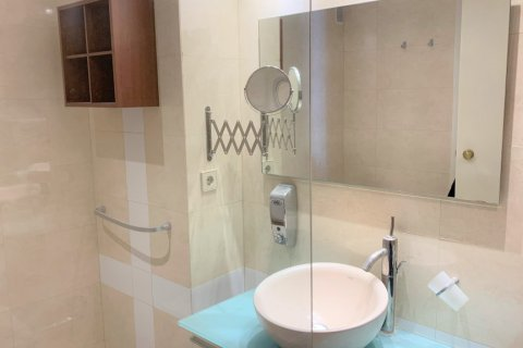 Apartment for rent in Madrid, Spain, 4 bedrooms, 180.00m2, No. 1843 – photo 23