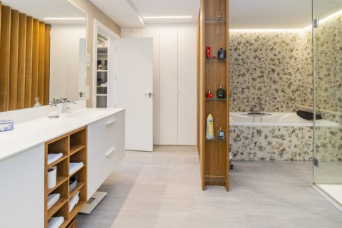 Apartment for sale in Alcobendas, Madrid, Spain, 5 bedrooms, 474.00m2, No. 2566 – photo 23