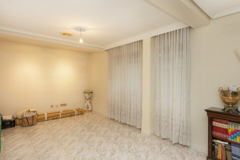 Apartment for sale in Madrid, Spain, 5 bedrooms, 114.00m2, No. 2670 – photo 3