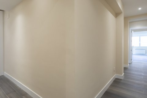 Apartment for sale in Madrid, Spain, 4 bedrooms, 290.00m2, No. 2043 – photo 22
