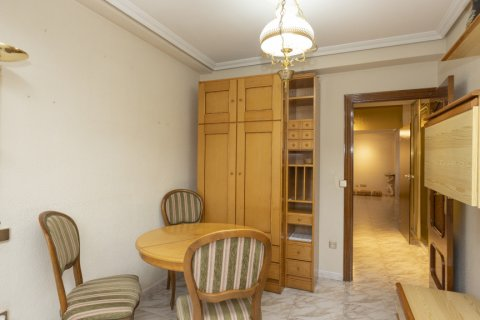 Apartment for sale in Madrid, Spain, 5 bedrooms, 114.00m2, No. 2670 – photo 27
