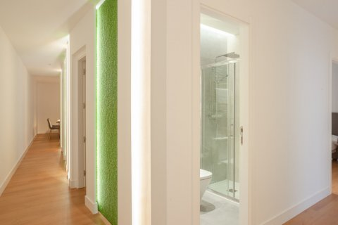 Apartment for sale in Madrid, Spain, 4 bedrooms, 219.00m2, No. 2062 – photo 1