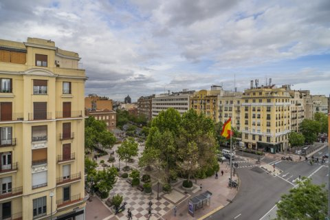 Penthouse for sale in Madrid, Spain, 2 bedrooms, 175.00m2, No. 2040 – photo 2