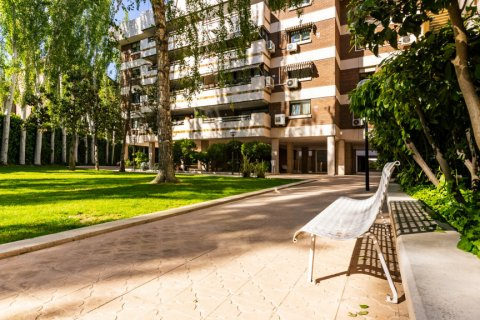 Apartment for sale in Madrid, Spain, 4 bedrooms, 202.00m2, No. 2710 – photo 29