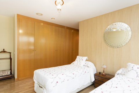Apartment for sale in Getafe, Madrid, Spain, 4 bedrooms, 242.00m2, No. 2480 – photo 17