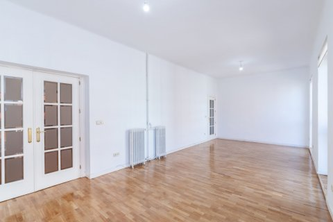 Apartment for rent in Madrid, Spain, 2 bedrooms, 120.00m2, No. 1464 – photo 25