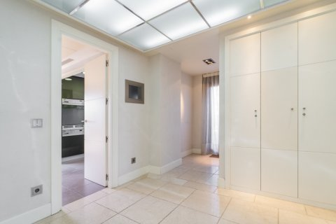 Penthouse for sale in Madrid, Spain, 3 bedrooms, 239.00m2, No. 1699 – photo 6