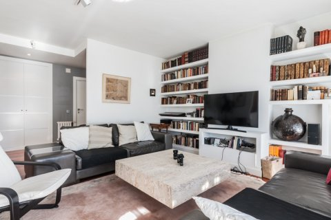 Apartment for rent in Madrid, Spain, 4 bedrooms, 254.00m2, No. 2562 – photo 9