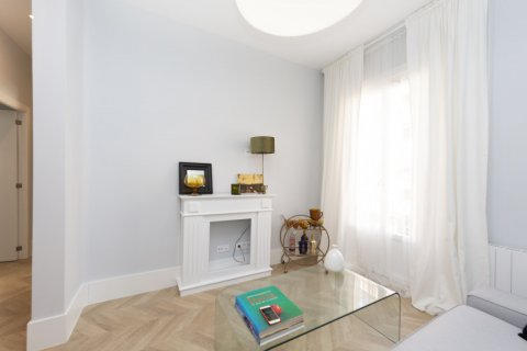 Apartment for sale in Madrid, Spain, 3 bedrooms, 69.00m2, No. 2315 – photo 5