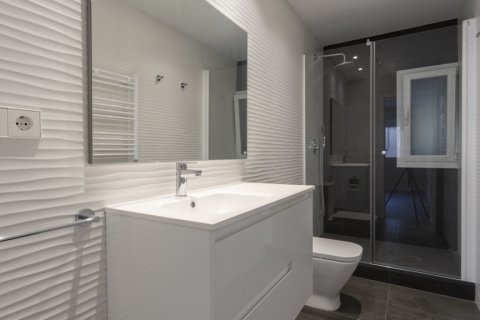 Apartment for sale in Madrid, Spain, 4 bedrooms, 290.00m2, No. 2043 – photo 21