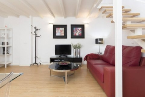 Duplex for sale in Madrid, Spain, 1 bedroom, 55.00m2, No. 2367 – photo 10