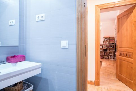 Apartment for sale in Madrid, Spain, 5 bedrooms, 384.00m2, No. 2372 – photo 24