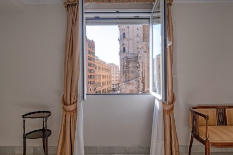 Apartment for sale in Malaga, Spain, 3 bedrooms, 229.00m2, No. 2351 – photo 4