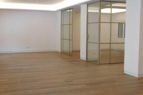 Apartment for rent in Madrid, Spain, 3 bedrooms, 300.00m2, No. 1576 – photo 6