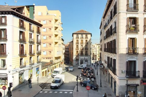 Apartment for rent in Madrid, Spain, 3 bedrooms, 90.00m2, No. 2730 – photo 1