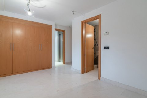 Duplex for sale in Madrid, Spain, 4 bedrooms, 220.46m2, No. 1975 – photo 26