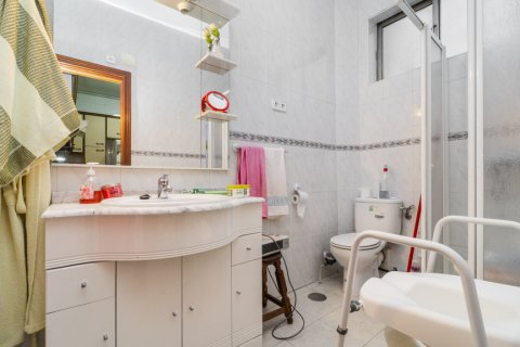 Apartment for sale in Madrid, Spain, 5 bedrooms, 133.00m2, No. 2686 – photo 28