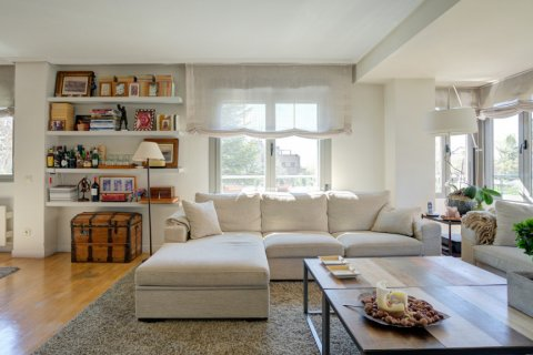 Apartment for sale in Madrid, Spain, 4 bedrooms, 171.00m2, No. 2442 – photo 8