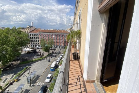 Duplex for rent in Madrid, Spain, 2 bedrooms, 98.00m2, No. 1489 – photo 7