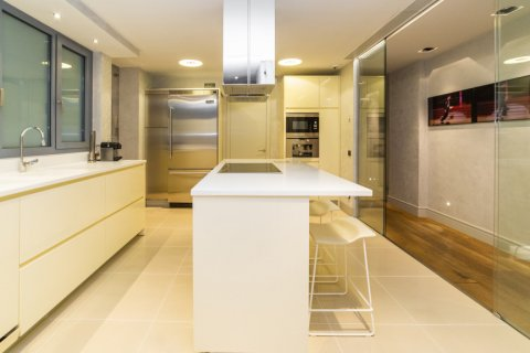 Apartment for sale in Madrid, Spain, 3 bedrooms, 322.00m2, No. 2564 – photo 18