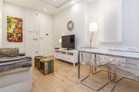 Apartment for sale in Madrid, Spain, 2 bedrooms, 57.00m2, No. 2498 – photo 1