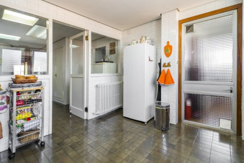 Apartment for sale in Madrid, Spain, 6 bedrooms, 414.00m2, No. 2470 – photo 23