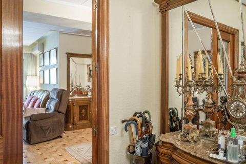 Apartment for sale in Madrid, Spain, 3 bedrooms, 117.80m2, No. 2173 – photo 2