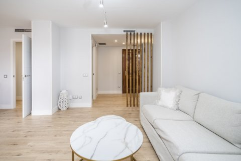 Apartment for sale in Madrid, Spain, 4 bedrooms, 160.00m2, No. 2590 – photo 8