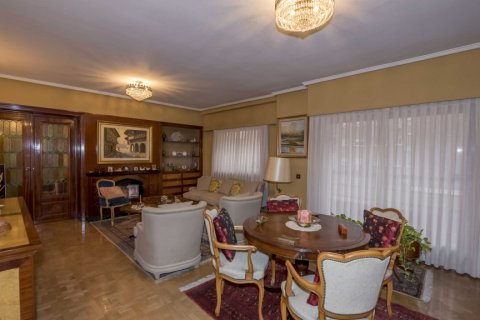 Apartment for sale in Madrid, Spain, 6 bedrooms, 216.00m2, No. 1921 – photo 7