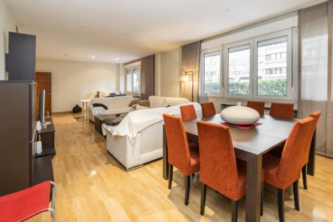 Apartment for sale in Madrid, Spain, 4 bedrooms, 218.00m2, No. 2576 – photo 8