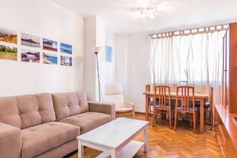 Apartment for sale in Madrid, Spain, 2 bedrooms, 60.00m2, No. 2374 – photo 2