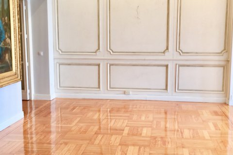 Apartment for rent in Madrid, Spain, 7 bedrooms, 150.00m2, No. 1624 – photo 8